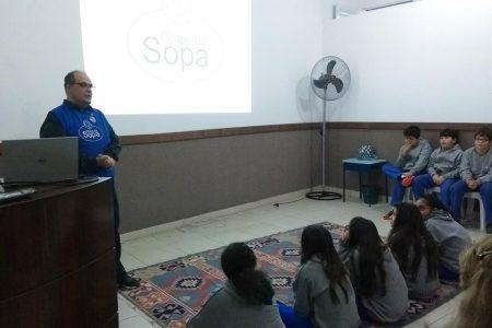 Grupo da Sopa participa de atividades na Escola Nossa Senhora das Graças